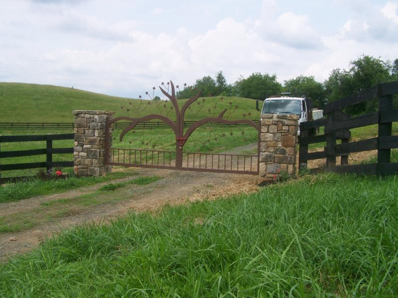 PROPERTY ENTRANCE AND GATES
